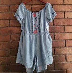 Old navy embroidered romper